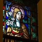 A zárdakápolna szentélyének üvegablakai