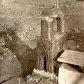 Kerámia kecske-szobor