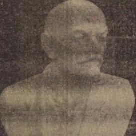 Lenin-mellszobor