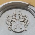 A templom építtetőjének emléktáblája