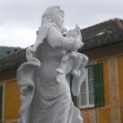 Szűzanya a karján ülő gyermek Jézussal