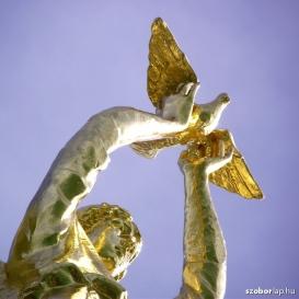 A Béke jóságos angyala