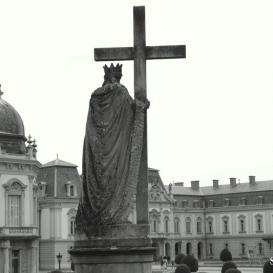 Szent Ilona szobra