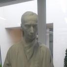 Albert Bruce Sabin professzor szobra