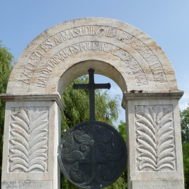 A két világháború áldozatainak emlékműve
