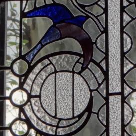 A Schiffer villa színes üvegablakai