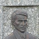 Dombormű Rumi Rajki István síremlékén