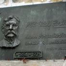 Adolf Hrstka MU Dr. domborműves emléktáblája
