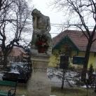 Szomorkodó Krisztus-szobor