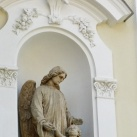 Szatmári Irgalmasnővérek Szent Kereszt felmagasztalása zárdatemplom fülkeszobrai