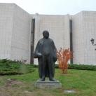 Pera Dobrinović-szobor