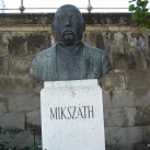 Mikszáth Kálmán-mellszobor
