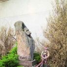 1947-48-as ki- és betelepítettek emlékműve