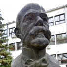 Robert Koch mellszobra