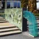 Üveg térplasztika