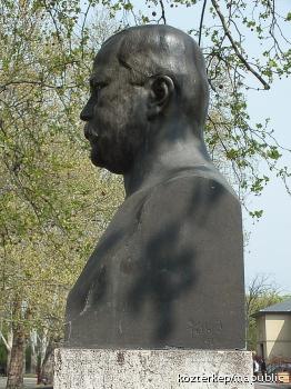 Fabró Henrik síremléke