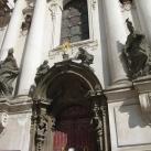 Szent Miklós-templom épületdíszítő szobrai