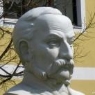 Fischer Mór-mellszobor