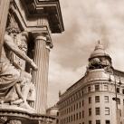 Albert-palota szobrai