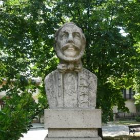 Vörösmarty Mihály szobra