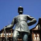 I. Károly román király szobra