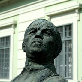 Nagy István-szobor