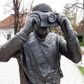 Fotós-szobor