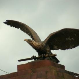 Turul-szobor