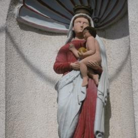 Szűz Mária a kisded Jézussal