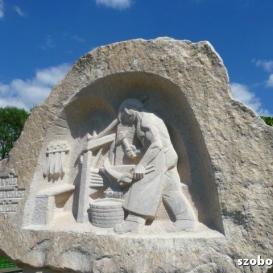 Jakab kovács emlékműve