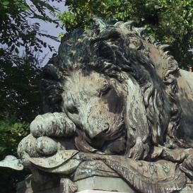 Doggenfeldi Vetter Antal síremléke