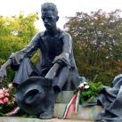 A Dunánál  – József Attila szobra