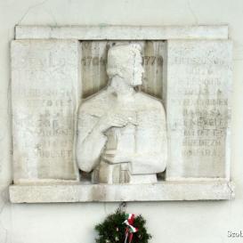 Faludi Ferenc domborműves emléktáblája