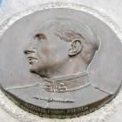 Koszorús Ferenc domborműves emléktáblája