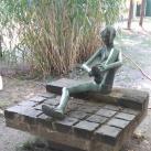 Ülő fiú