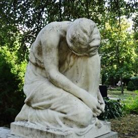 Csákány Éva síremléke