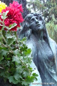 Sesztina-síremlék