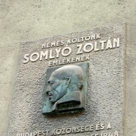 Somlyó Zoltán domborműves emléktábla