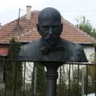 Lévay József mellszobra