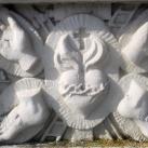 Immaculata-oszlop Arma Christi-ábrázolásal