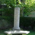 József nádor-emlékoszlop