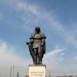 Major Tamás szobra