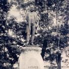 Lukács Béla szobra
