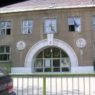 Hunyady János iskola épületdíszei