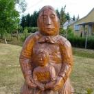 Anya gyemekével