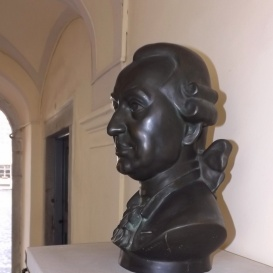 Samuel von Brukenthal mellszobra