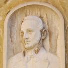 Pabst H. Vilmos dr. portrédomborműve