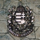 Köztársasági címer dombormű