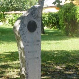 Vujicsics Tihamer-emlékoszlop