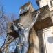 Feszület Mária szobrával